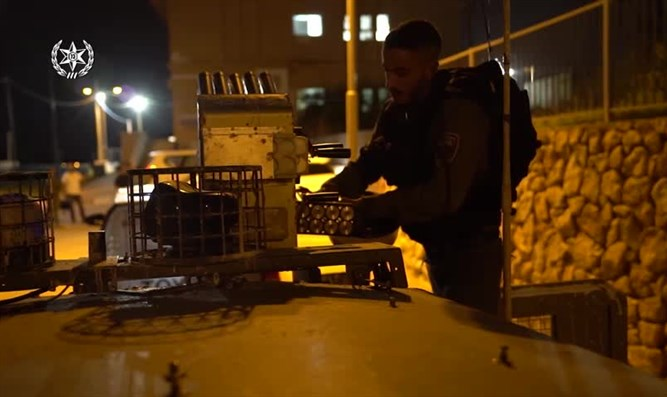 Arresting suspects in Ramallah (archive)