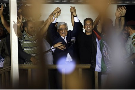 Abbas welcomes freed terrorists