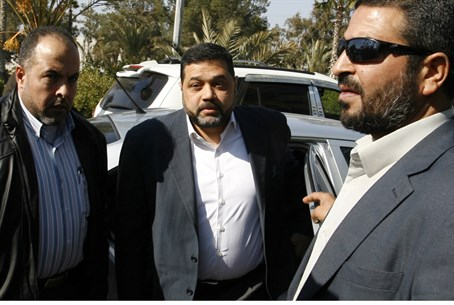 Hamas official Osama Hamdan (center)