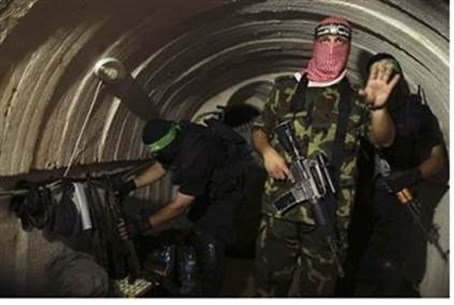 Hamas terrorists inside terror tunnel (file)