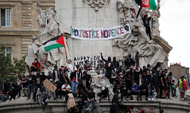 PLO flag waved at Black Lives Matter rally in Paris